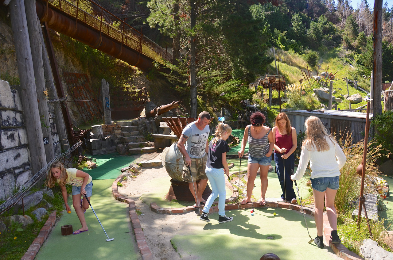 Keira Alan Meg Debbie Chloe Emma Crazy Golf Ohirio Valley Wellington January 2014