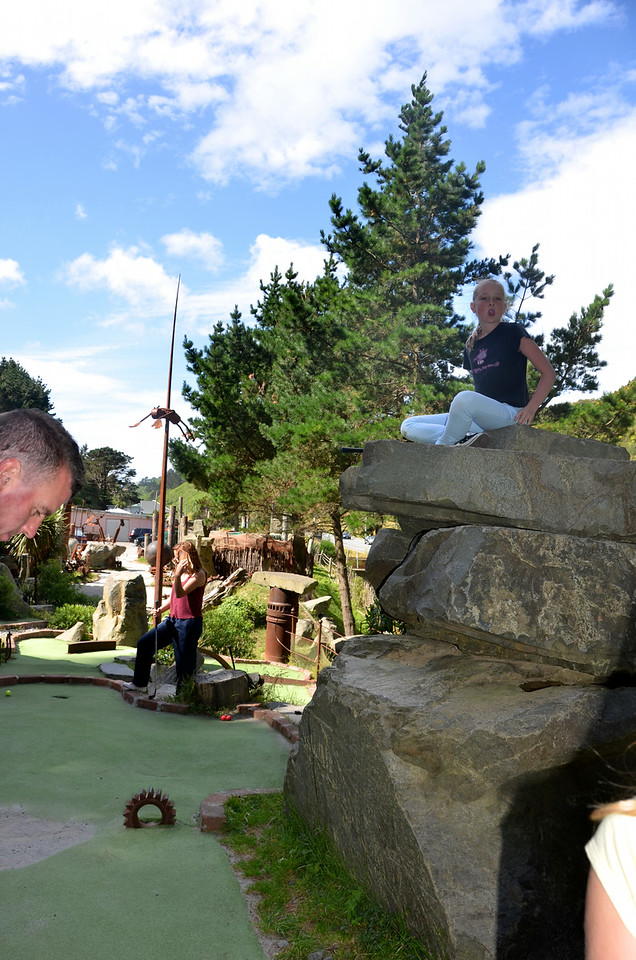 Alan Chloe Meg Crazy Golf Ohirio Valley Wellington January 2014