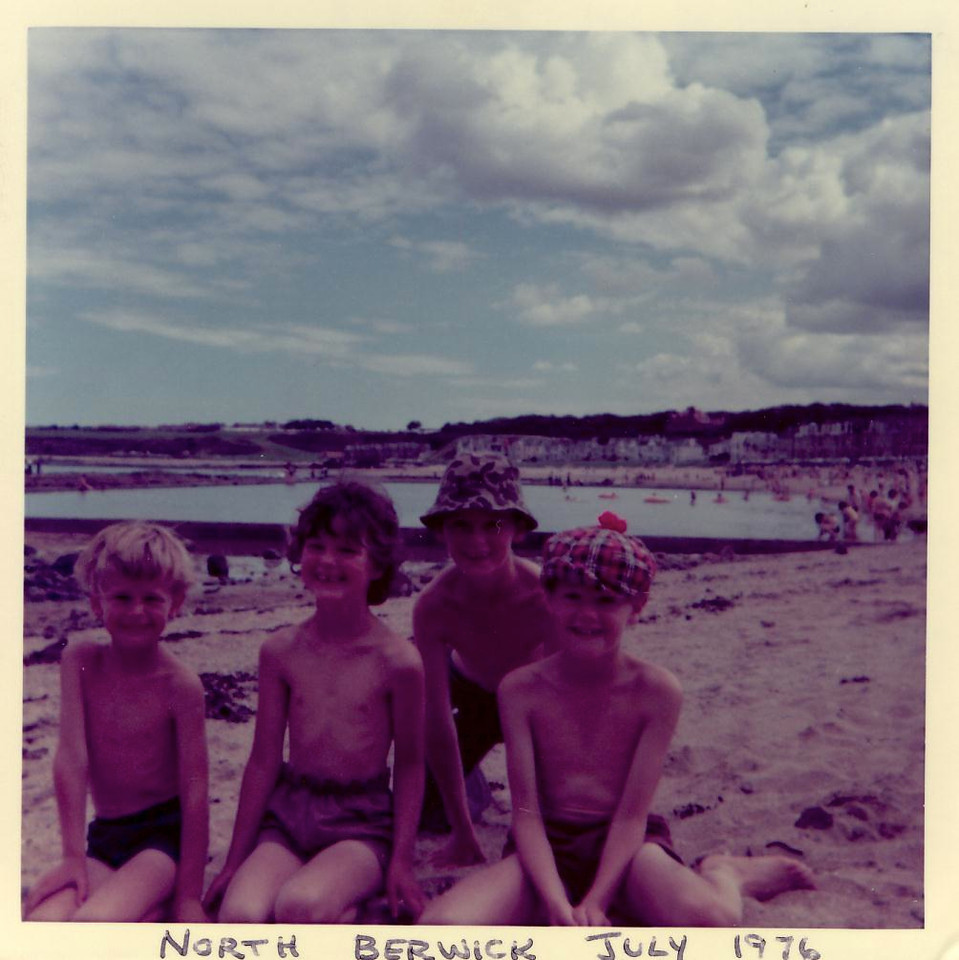 1976 07 Alan Ann Brian Kenny North Berwick, 1976