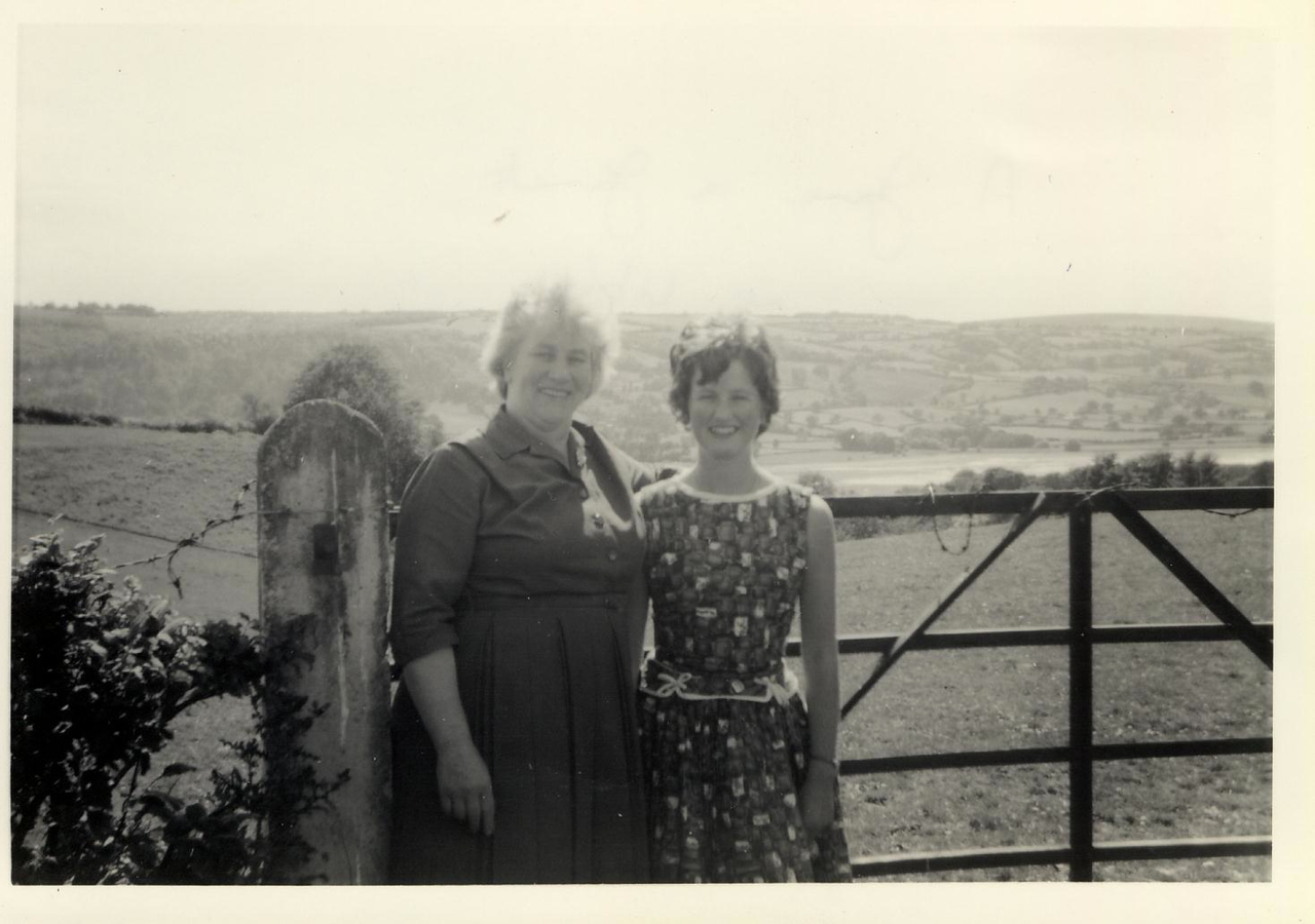 1963 07 A  Jane & Janet  July 1963
