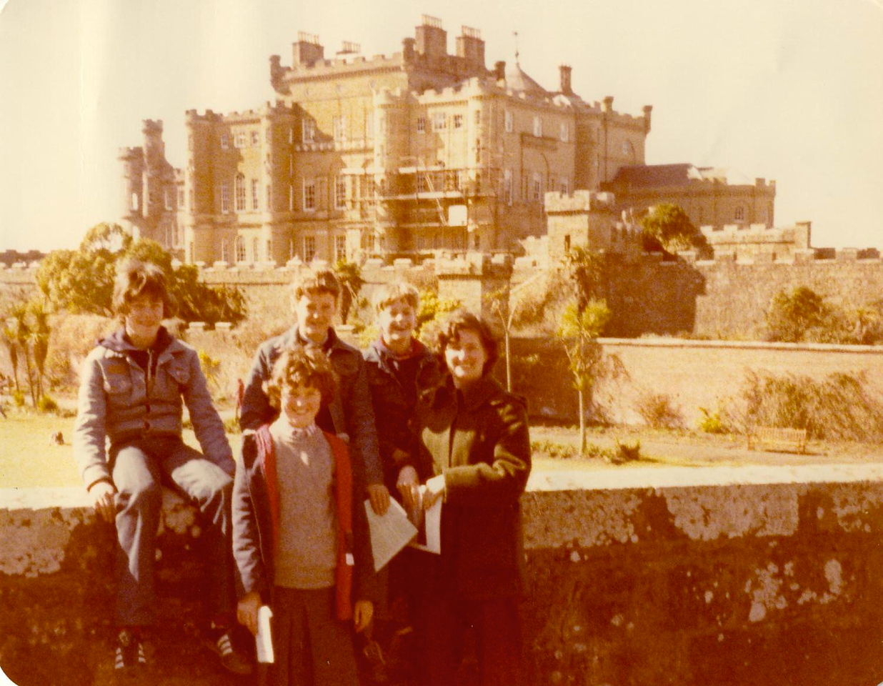 1980 04 Brian Ann Kenny Alan Janet Culzean Castle 8 April 1980