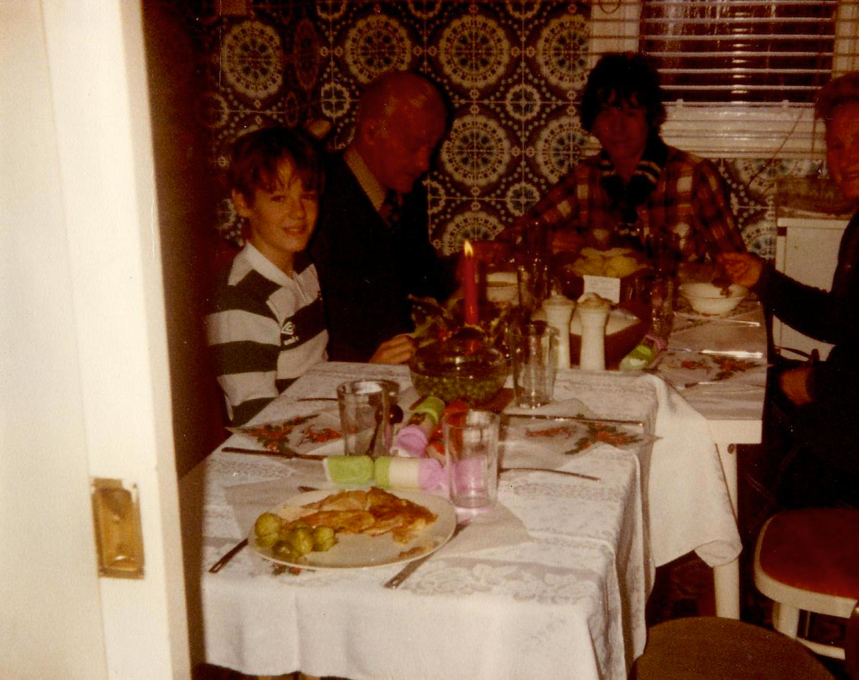 1980 12 Kenny Grandad Brian Granny Taymount 25 December 1980