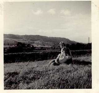 1960 09 Sylvia & Janet, September 1960