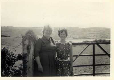 1963 07 A  Jane & Janet  July 1963