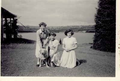1957 08 Janet, Mary & Pat, Blagdon August 1957